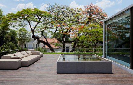 AMZ PROJETOS ARQUITETURA 440x281 - Casa Bélgica: verde dentro de casa com área social liberada de paredes