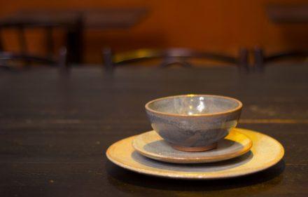 Artesão Nena Foto Danyelle Marques Produção O Imaginário Ambiente Restaurante Nez Bistrô 440x281 - O artesanato presente em todos os lugares