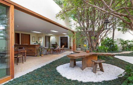 OÁSIS VERDE7 440x281 - Reforma transforma casa em oásis verde em SP