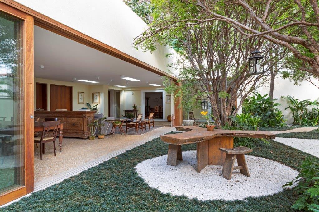 OÁSIS VERDE7 - Reforma transforma casa em oásis verde em SP