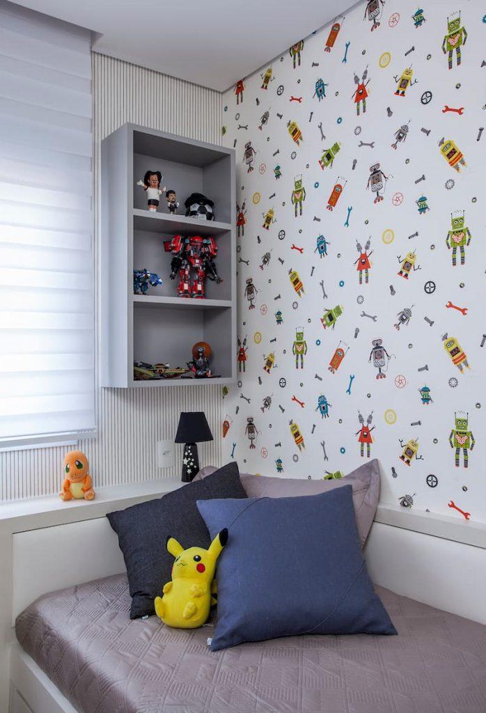 bonecos coloridos 698x1024 - Escolher papel de parede: A arquiteta Karina Korn dará dicas especiais para você