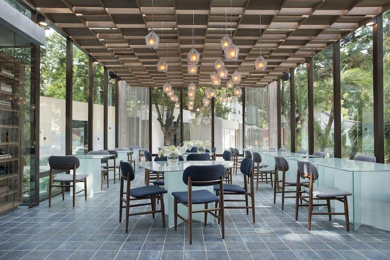 2 25 - Restaurante Vivix: um cubo mágico flutuante