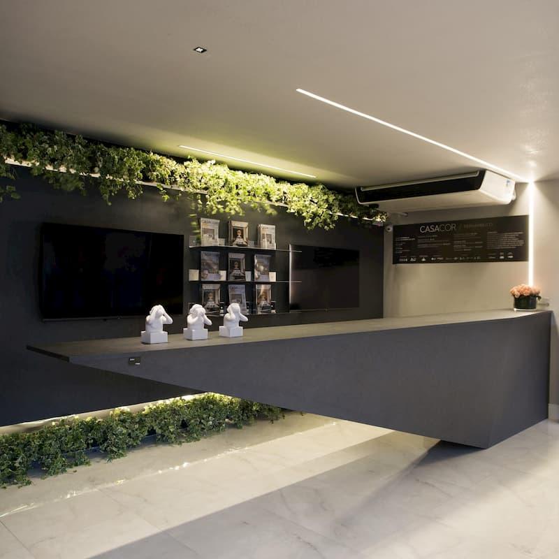 3 - Arte e natureza na bilheteria e lounge de Entrada