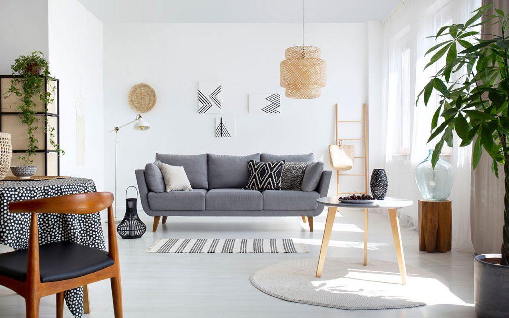 sala de estar shutterstock 1177542271 Photographee.eu  1024x640 - Anote as dicas para usar o Feng shui na sua casa