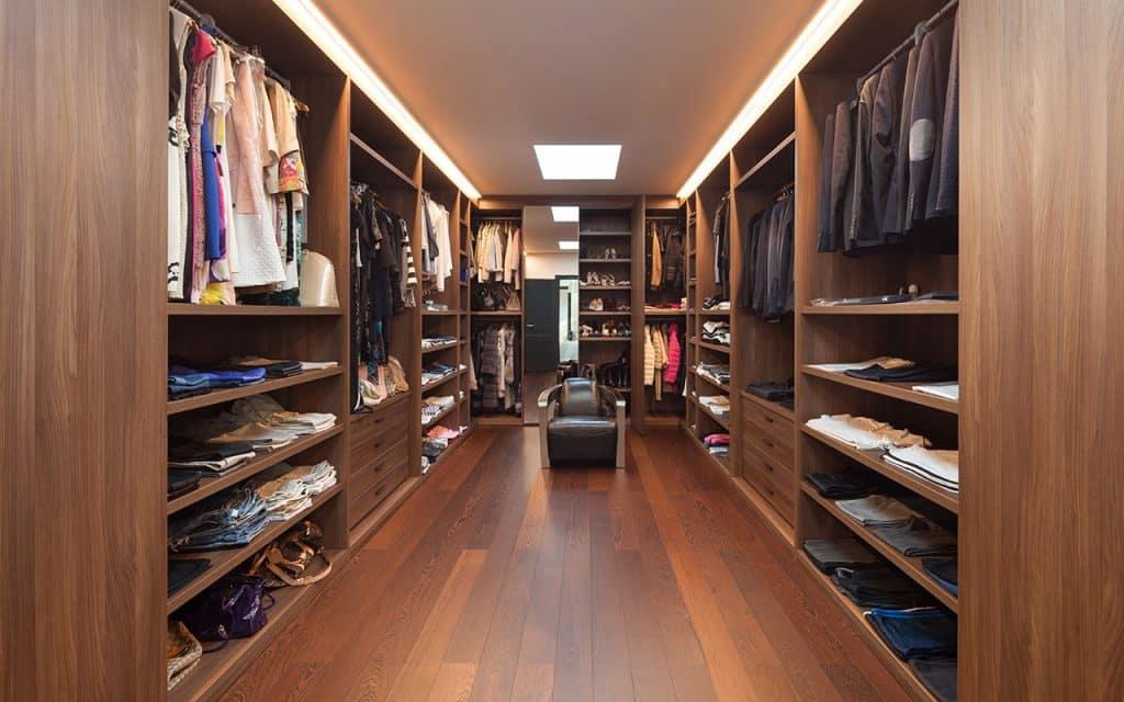 5 Closet alexandre zveiger Shutterstock.com  1024x640 - Closet funcional: já pensou em ter um? Anote as dicas