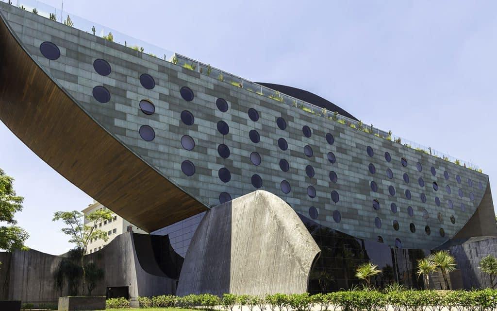 Hotel Unique Sao Paulo ESB Professional Shutterstock.com  1024x640 - Construções diferenciadas: confira as obras espalhadas pelo mundo