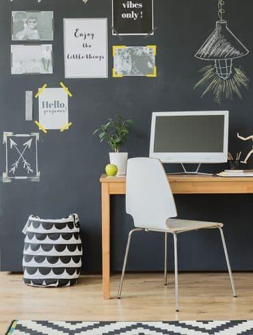 3 Home Office Photographee.eu Shutterstock.com 370x490 - Biofilia em alta para arquitetos, paisagistas e designers