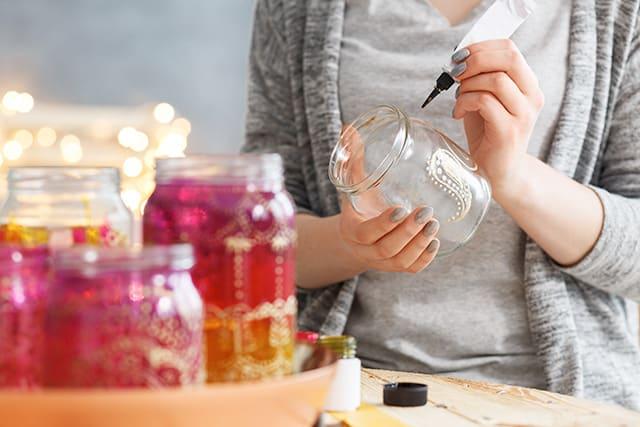 revistaSIM Decor Afetiva Decoracao potes Credito Photographee Shutterstock - Saiba como montar uma decoração afetiva na sua casa!