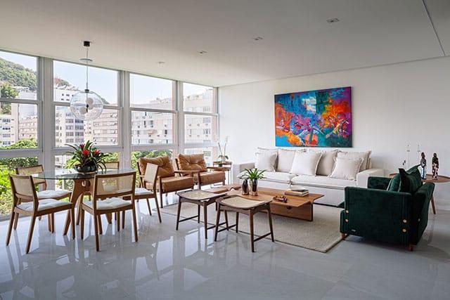 revistaSIM Arquitetura Apartamento no Rio de Janeiro Sala de estar Credito Dhani Borges - Apto de 200m² apostou na integração dos espaços com a cozinha