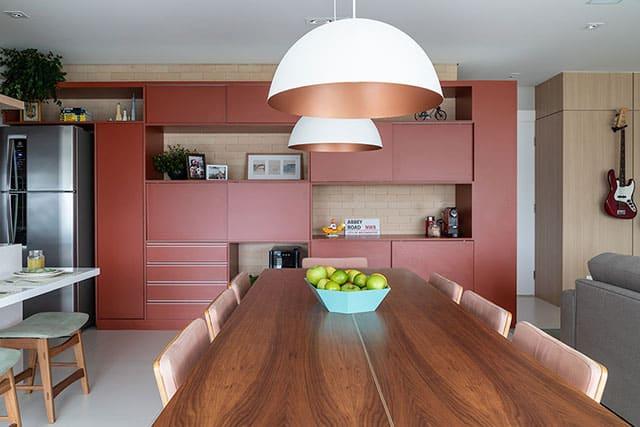 revistaSIM Arquitetura Cozinhas coloridas Composicao terrosa Foto Evelyn Muller - Confira as dicas de arquitetura e aposte nas cozinhas coloridas
