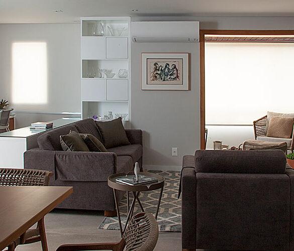 revistaSIM Arquitetura Apt 85m2 DESTAQUE Credito Luis Gomes 1 585x500 - O ambiente de 85m² faz uso de décor elegante com foco na integração