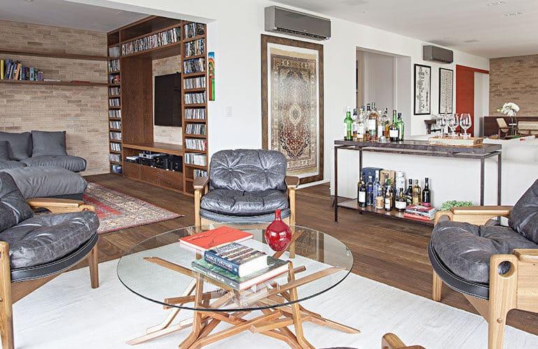 revistaSIM Decoracao Cadeiras de design em casa Destaque Credito Gui Morelli 770x500 - Saiba como utilizar cadeiras de design na decoração da sua casa