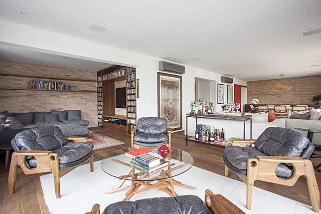 revistaSIM Decoracao Cadeiras de design em casa Poltronas Tete Credito Gui Morelli - Saiba como utilizar cadeiras de design na decoração da sua casa