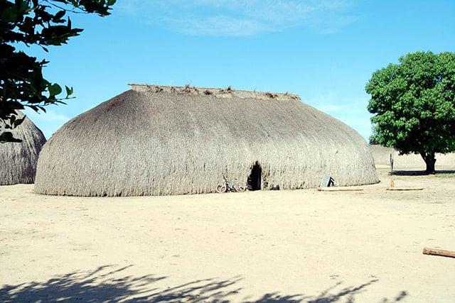 revistaSIM Arquitetura Indigena Oca Credito Frontpage Shutterstock.com  - Saiba mais sobre a arquitetura indígena neste conteúdo especial