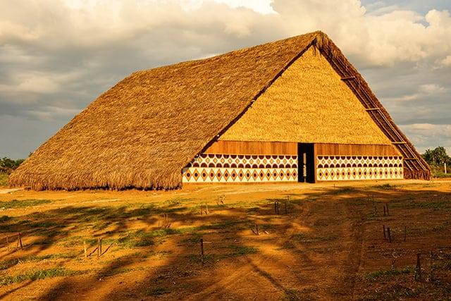 revistaSIM Arquitetura Indigena Oca Credito Julio Duarte Shutterstock.com  - Saiba mais sobre a arquitetura indígena neste conteúdo especial