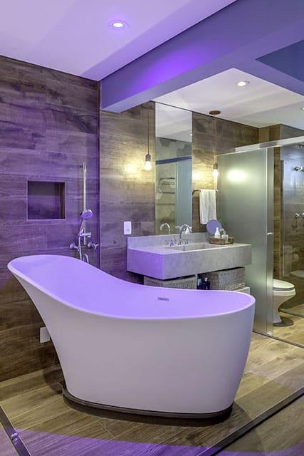 revistaSIM Arquitetura Banheiros Cromoterapia 2 Credito Carlos Piratininga - Confira as dicas de projetos de banheiros para você não errar