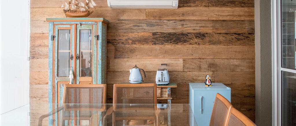 revistaSIM Arquitetura Madeira de demolicao DESTAQUE Credito Julia Herman 1 1024x438 - Saiba como utilizar a madeira de demolição nos ambientes do lar