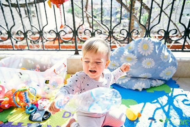 revistaSIM Decoracao Varanda adaptada para os pequenos Tapete para bebe Credito Nadtochiy AdobeStock - Dicas para montar uma varanda para as crianças aproveitarem