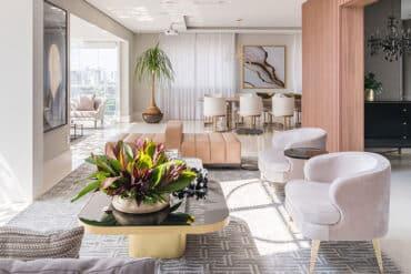 revistaSIM Arquitetura Spaco Interior DESTAQUE Foto Kadu Lopes 1 370x247 - Confira o apartamento duplex, um projeto clean e moderno
