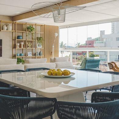 revistaSIM Arquitetura Apto 130m DESTAQUE Foto Marcelo Stammer 390x390 - Confira uma inspiração para decoração do apto de praia